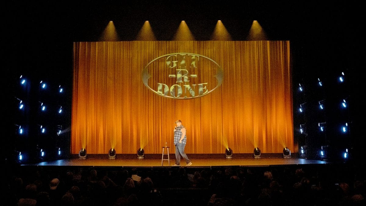 comedian Larry the Cable Guy on stage
